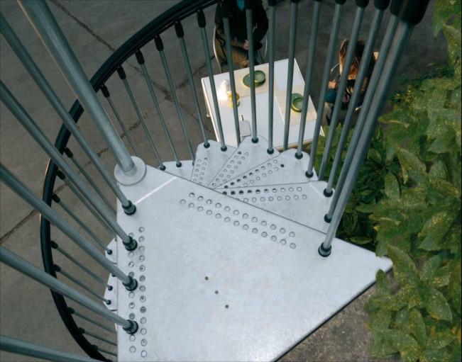escalier en colima on galvanis en kit civik zink. Black Bedroom Furniture Sets. Home Design Ideas